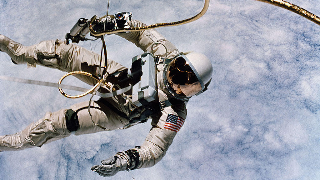 no space suit walk - photo #9