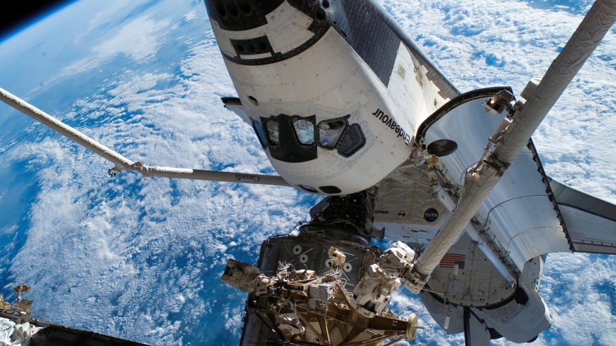 space_blue_planet_earth_iss_shuttle_endeavour_96306_3840x2160